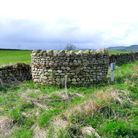 HRS 8971 Langwathby, Dry stone walled access to underground reservoir L1150278